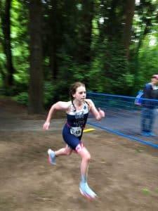 Ashley Lloyd hurls through the run at the North Shore Triathlon
