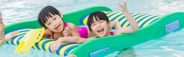 5 Reasons to Swim with the Family Over the Long Weekend!