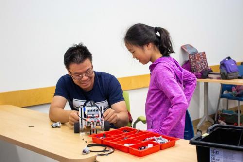 Beginner-Lego-Design-Robotics-1