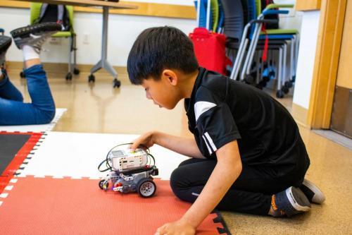 Beginner-Lego-Design-Robotics-2