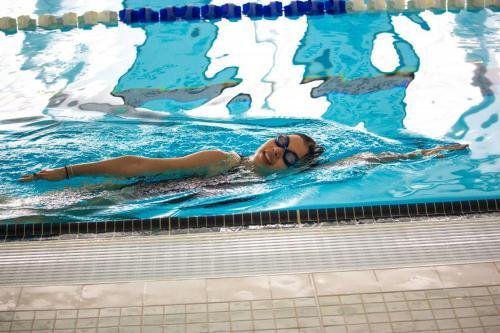 Intro-to-Artistic-Swimming-2