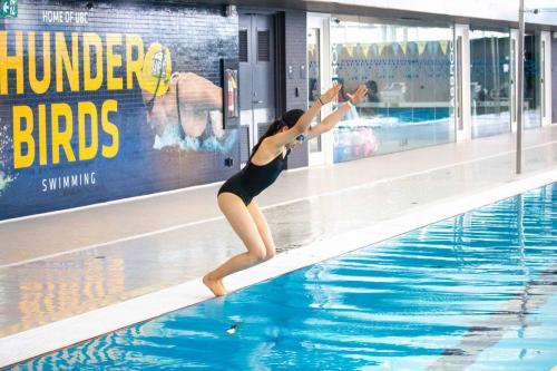 Intro-to-Artistic-Swimming-4