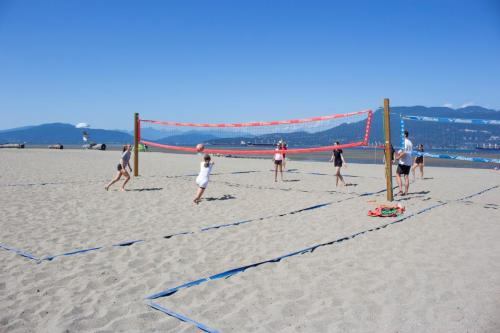 Volleyball-Beginner-Beach-2