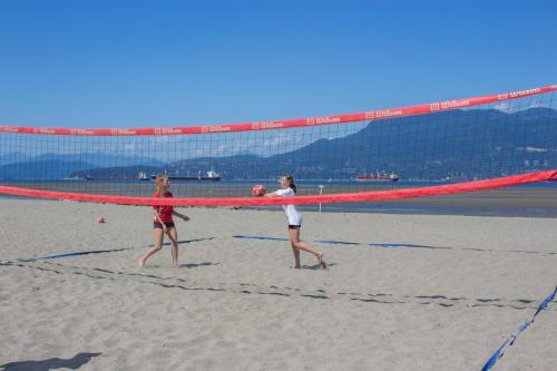 Volleyball-Beginner-Beach-3