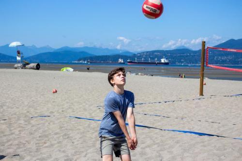 Volleyball-Beginner-Beach-1
