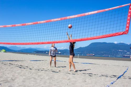 Volleyball-Beginner-Beach-4