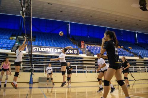 Volleyball-Girls-Advanced-Training-2
